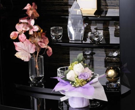 白と紫の仏花